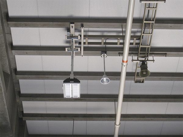エネルギー会社実験設備ビル電気設備更新工事